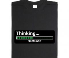 Animiertes Thinking… please wait T-Shirt