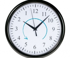 Rückwärts Uhr - Uhr läuft gegen den Uhrzeigersinn